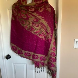 BLOW OUT SALE❤️💚💜Extra large magenta wrap